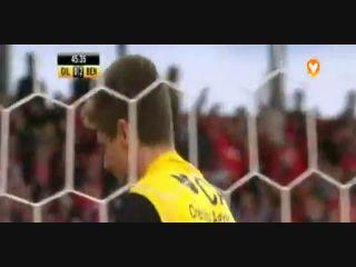Gil Vicente 0-5 Benfica - Golo de Luisão (46min)